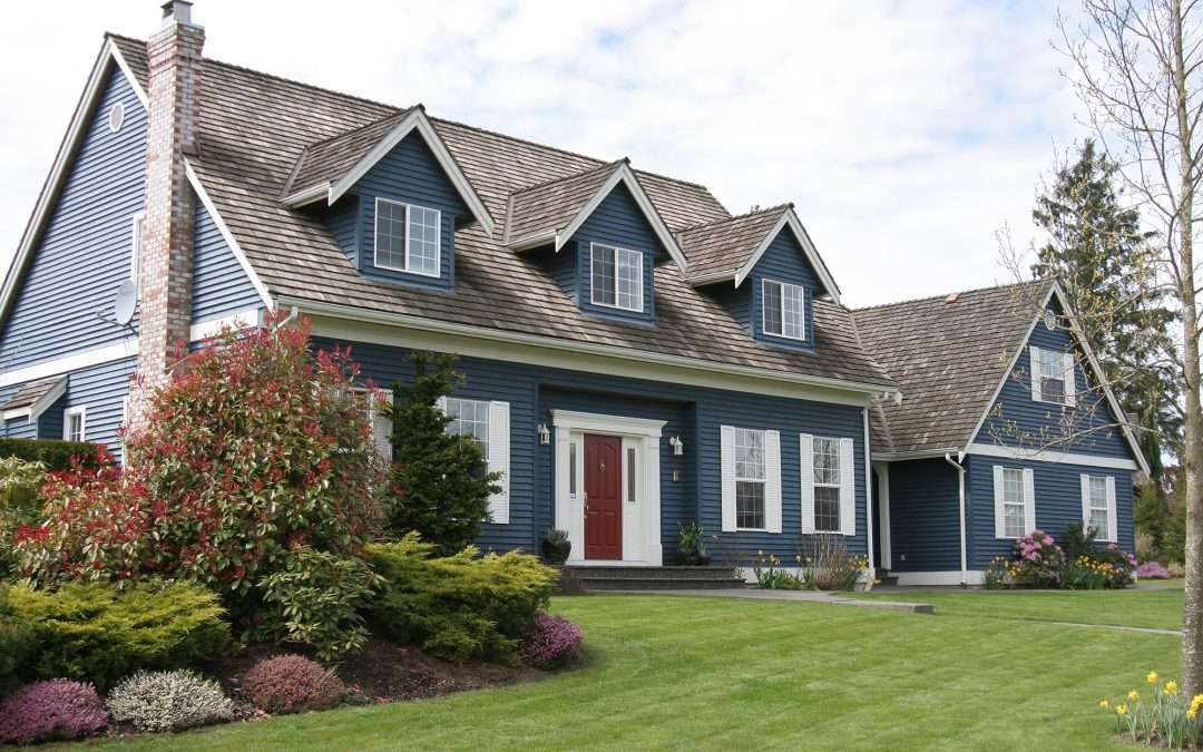 7 Popular Siding Materials To Consider: Top Selling Vinyl Siding Colors